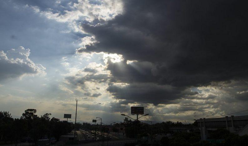 Depresión tropical 16-E toca tierra en Sonora