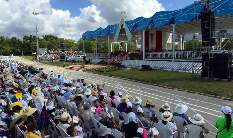 Papa llama en Cuba a superar prejuicios y resistencia al cambio