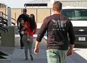 La gran mayoría de las detenciones de familias y de menores no acompañados se han registrado en el Sector del Río Grande de la Patrulla Fronteriza, en el valle sur de Texas. Foto: AP