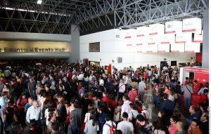 Feria Internacional del Libro  Aún no se cuentan con cifras oficiales, pero durante su segundo día, la Feria Internacional del Libro ha estado abarrotada de visitantes. Foto: AR