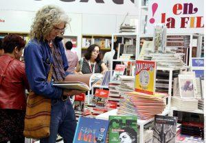 Dentro de la Feria Internacional del Libro puede encontrarse a gran diversidad de lectores. Foto: AR