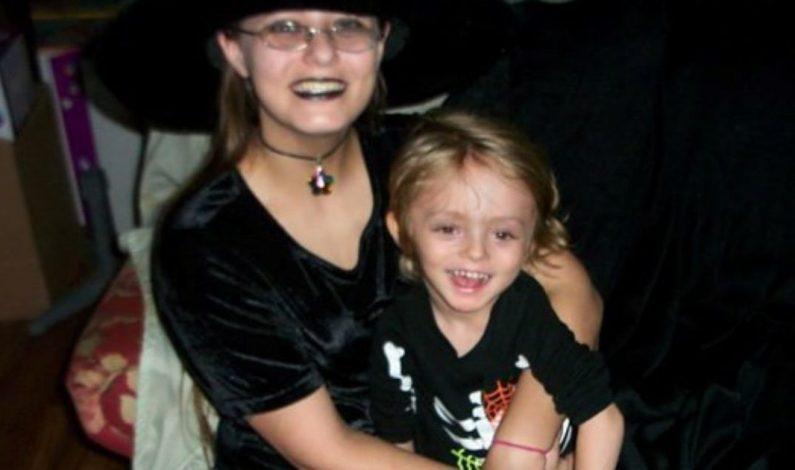 Mujer mata a su hijo y se suicida en hospital de Mesa