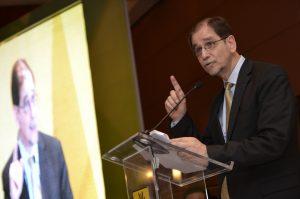 Agustín Basave asegura que llevará a su renacimiento al PRD. Foto: Notimex