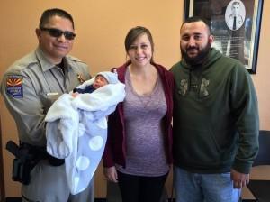 Miguel Rincon, (izquierda), al lado de Carter Jett, Courtney Benavidez y su esposo Adrian Borquez. En los