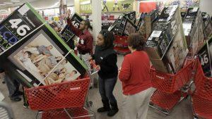 Se esperaba que unas 30 millones de personas compraran en el Día de Acción de Gracias, comparadas con las 99,7 millones del Viernes Negro. Foto: AP