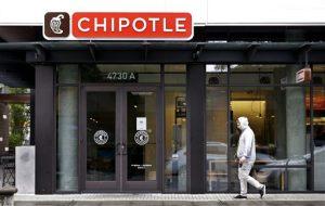 Un brote de E. coli vinculado a los restaurantes Chipotle en el estado de Washington y Oregon ha enfermado a casi dos docenas de personas en el tercer brote de intoxicación por alimentos en la popular cadena. Foto: AP