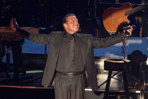 Luis Miguel tiene 33 años de carrera, más de 30 discos grabados, de los que ha vendido 100 millones de copias. Foto: Notimex