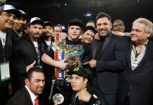 Saúl Alvarez se proclamó el sábado campeón medio del Consejo Mundial de Boxeo (CMB). Foto: AP
