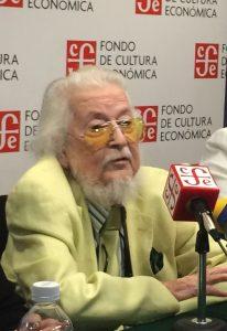 En conferencia de prensa, el escritor Fernando del Paso, recientemente anunciado ganador del Premio Cervantes de Literatura 2015, se declaró un enamorado del castellano y de España. Foto: Notimex