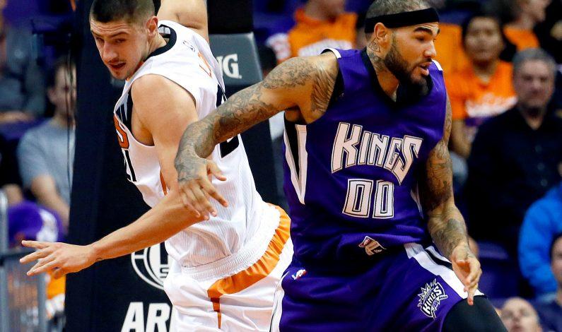 Bledsoe aporta 19 puntos en paliza de Suns sobre Kings