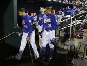 Boletos inusitados, defensiva deficiente y un par de decisiones cuestionables por parte del manager Terry Collins terminaron hundiendo a Nueva York. Foto: AP