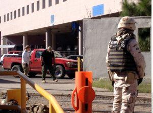 El tunel cruzaba por debajo de las filas vehiculares que llevaban al cruce fronterizo. Foto: Agencia Reforma