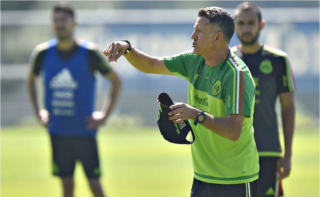 Baja de referentes del 'Tri' no espanta a JC Osorio