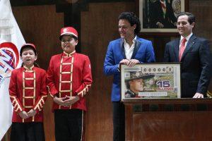 Pedro Fernández agradeció el reconocimiento que le hizo la Lotería Nacional. Foto: Mixed Voces