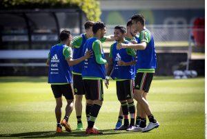 Dentro del seno de la Selección Nacinal se vive un buen ambiente entre los jugadores. Foto: Agencia Reforma