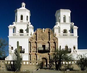 Iglesia San Xavier del Bac en Tucson.