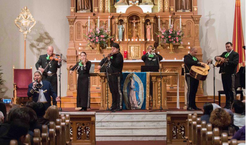 Llevan en Phoenix mañanitas a la Virgen de Guadalupe