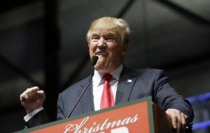 Donald Trump y su campaña para ser el candidato republicano para llegar a la Casa Blanca seguirá siendo noticia en 2016. Foto: AP
