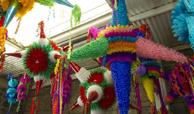 Piñatas, una tradición que se niega a morir