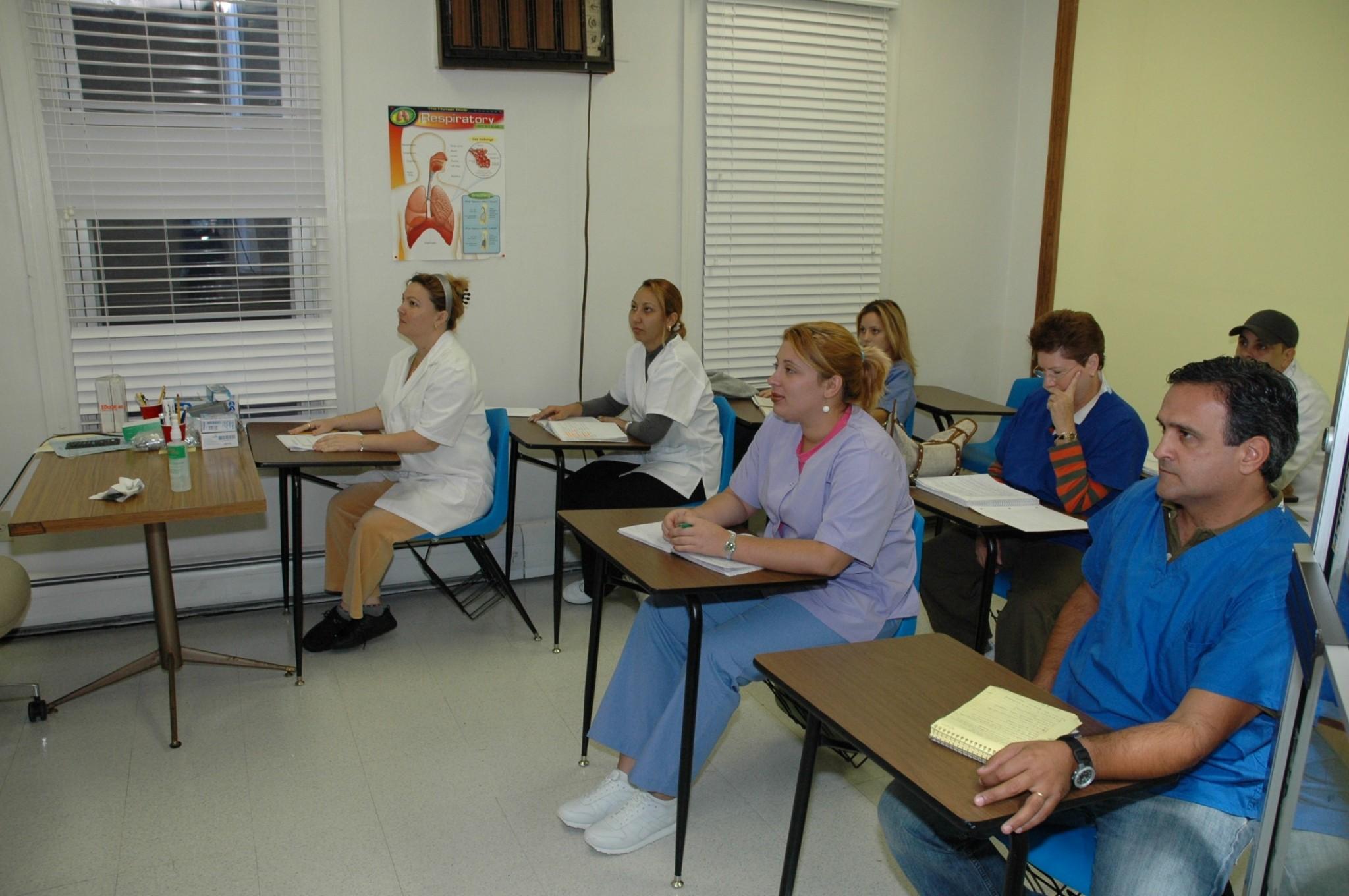 Bonito Ayudante De Oficina Médica Reanuda Experiencia Voluntaria ...