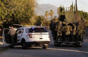 La policía busca a un sospechoso de la matanza del 2 de diciembre de 2015 en San Bernardino, California. Foto: AP