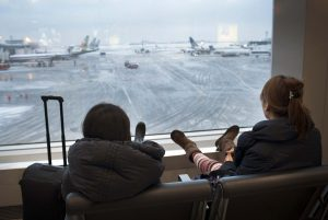 Las autoridades de dos de los aeropuertos internacionales que dan servicio a la zona urbana de Nueva York, anunciaron que cancelaron más de 200 vuelos. Foto: Notimex