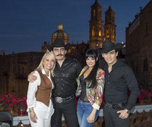 Carla Estrada, José Manuel Figueroa, Livia Brito y Julián Figueroa. Foto: Cortesía de Televisa