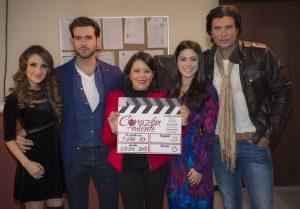 De izquierda a derecha Dulce María, Pablo Lyle, Mapat, Thelma Madrigal y Diego Olivera. Foto: Cortesía de Televisa