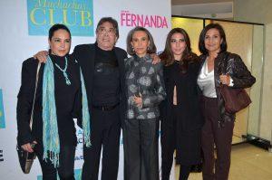 Florinda Meza sigue muy triste, pero quiere volver a actuar. Aquí, acompañada de Benny Ibarra, sus hijas y su esposa. Foto: Mixed Voces