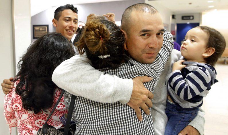 Congresistas y niños piden fin de detención familiar
