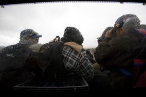 Ante las condiciones de las bajas temperaturas, el Grupo Beta, del INM recomendó a la población en tránsito abstenerse de dirigirse hacia la zona fronteriza. Foto: AP