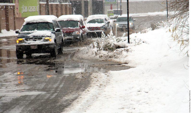 Ciudad Juárez reabre caminos tras inusual nevada