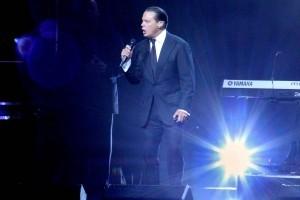 El cantante mexicano Luis Miguel arrancó su gira por Estados Unidos con el primero de dos conciertos en la Arena American Airlines de Miami. Foto: Notimex