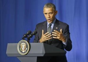 Barack Obama reiteró su llamado para que a todos los niveles de gobierno y en cooperación bipartidista se aborde el tema del endurecimiento de las regulaciones para el acceso a las armas. Foto: AP