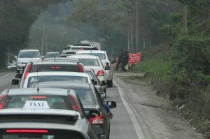 En las últimas horas se reporta la salida de 136 vehículos por minuto y un ingreso a la capital del país de 115 unidades vehiculares. Foto: Notimex