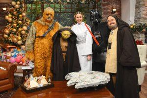 Pati es Yoda; Atala Sarmiento de Leia Organa; Daniel Bisogno Chewbacca; Pedro Sola de Obi-Wan Kenobi y  Ricardo Cásares Darth Vader. Foto: Cortesía TV Azteca