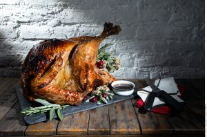 La Organización Mundial de la Salud ofrece algunas recomendaciones para hacer de su cena de Navidad un momento inolvidable. Foto: Agencia Reforma