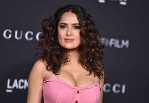 """Salma Hayek comprometida con la lucha por la igualdad de género, asistió anoche a una cena de los premios """"Women in Motion"""" que reconocen la contribución de la mujer al cine"""