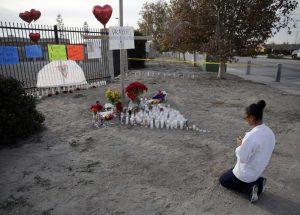 El ataque tuvo lugar el miércoles pasado en un salón del Centro Regional Inland, en San Bernardino, cuando unas 200 personas del departamento de Salud asistían a un convivio navideño. Foto: AP