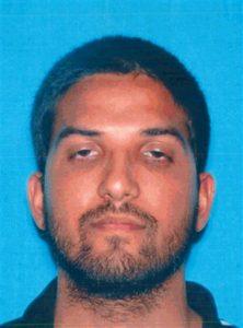 En esta imagen sin fecha proporcionada por el Departamento de Vehículos a Motor de California, Syed Rizwan Farook, identificado como el sospechoso por los tiroteos en San Bernardino.
