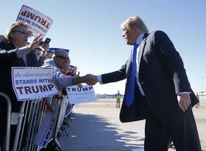Trump eligió Arizona para promover su campaña porque dijo sentir un compromiso para detener la inmigración ilegal. Foto: AP