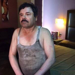 Varios noticieros mexicanos dieron a conocer esta imagen de la supuesta captura de Joaquín Guzmán Loera la madrugada del viernes en Los Mochis, Sinaloa. Foto: Cortesía