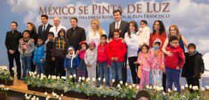 """Angélica Rivera hizo el lanzamiento oficial de """"México se Pinta de Luz"""" en el Hospital Infantil de México """"Federico Gómez"""". Foto: Cortesía Sony Music"""