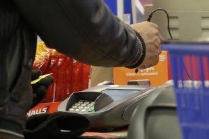 El Departamento de Justicia calcula que en 2014 la cantidad de consumidores estadounidenses que fueron víctimas del robo de identidad ascendió a 17,6 millones. Foto: AP
