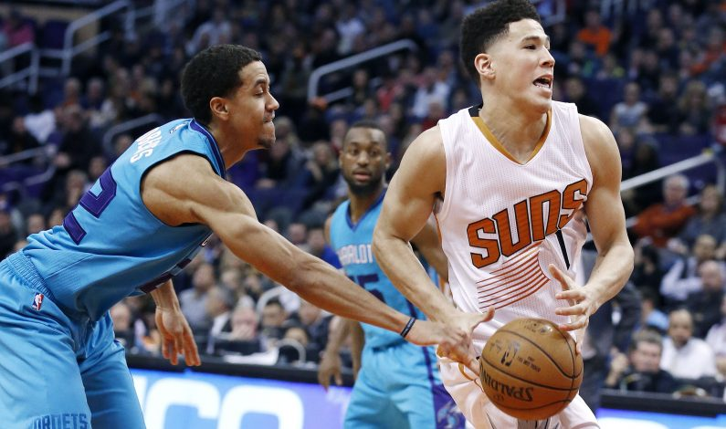 Suns, letales con triples, vencen a Hornets