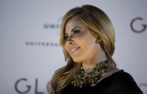 """Gloria Trevi posa durante una conferencia de prensa para promover su gira internacional """"""""El Amor"""""""" en la Ciudad de México. Foto: AP"""