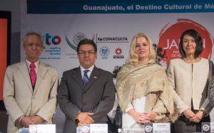 Masaru Susaki, director de la Fundación Japón; Fernando Olivera, Secretario de Turismo de Guanajuato; Sarah Hoch, directora del GIFF y Mio Otashiro, en representación de la Embajada de Japón en México.  Foto: Cortesía IMCINE