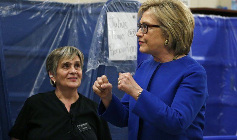 Clinton tiene amplia ventaja en conteo de superdelegados