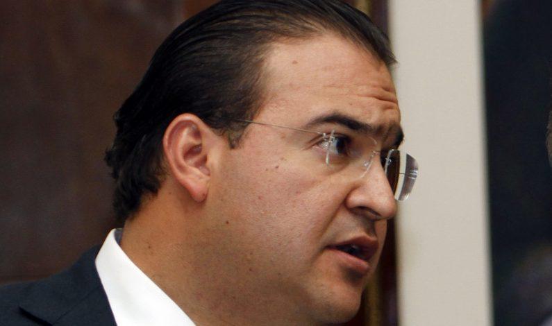 Grupo armado secuestra a reportera en México