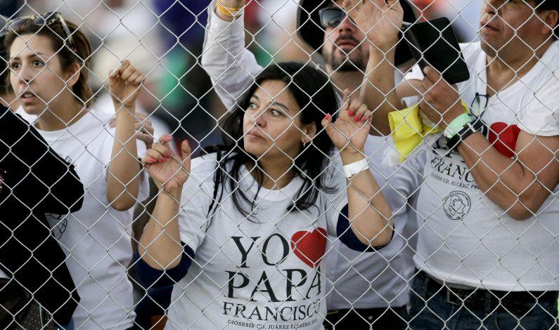 Papa llevó mensaje de amor a México y reproches a poderosos